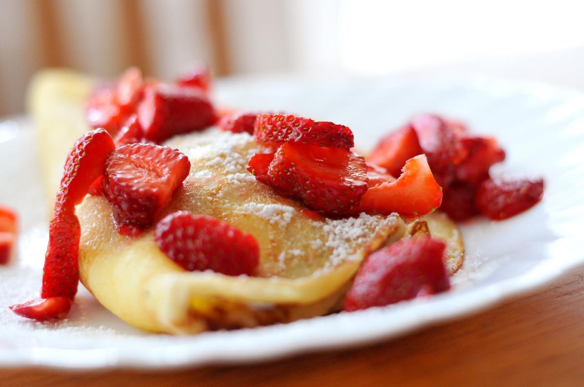 Camper Frühstück - Pancakes mit Erdbeeren